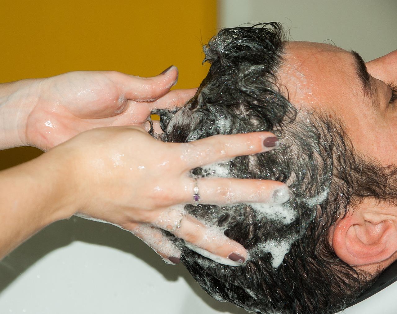 hogyan kell kezelni a pikkelysmrt a fej samponokon