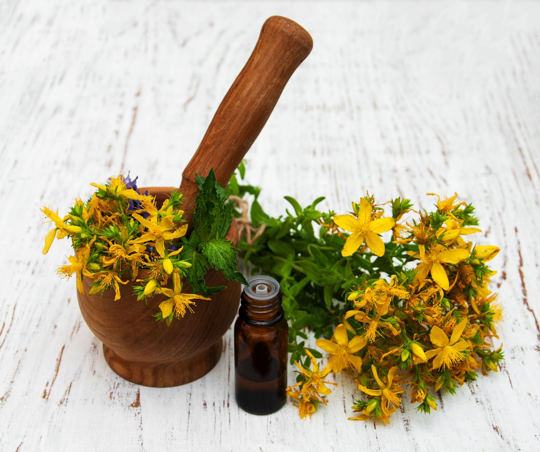Orbáncfű a pikkelysömör kezelésében a test tisztítása gyógynövényekkel pikkelysömörre